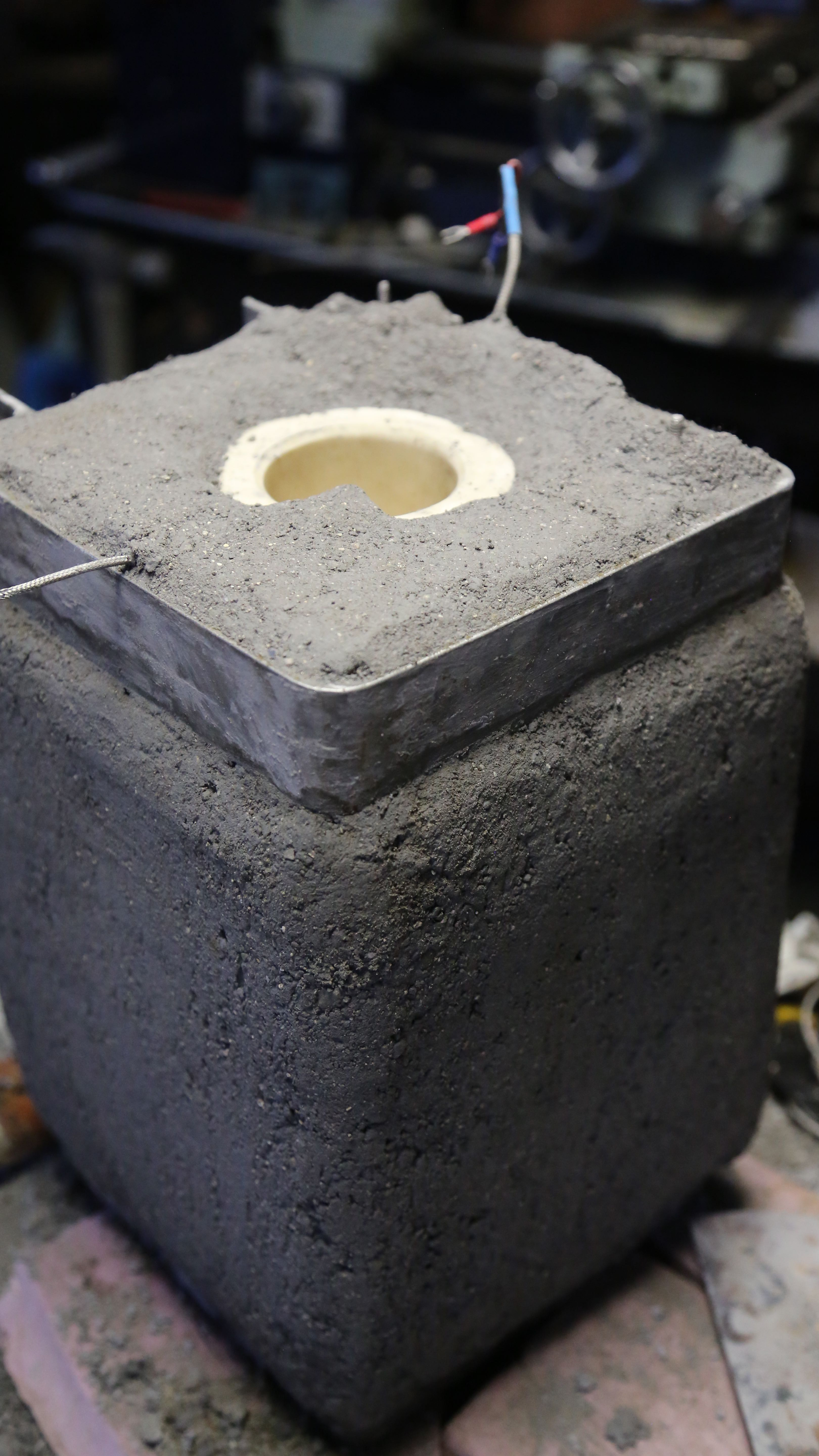 Now we have to wait before putting the whole crucible cart into an oven for its firing schedule